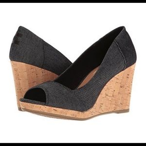 NWOB TOMS Stella Peep Toe Wedge Shoes.